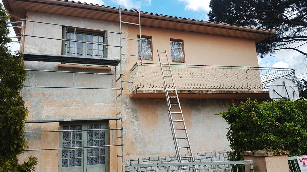 Ravalement de façades à Toulouse avant