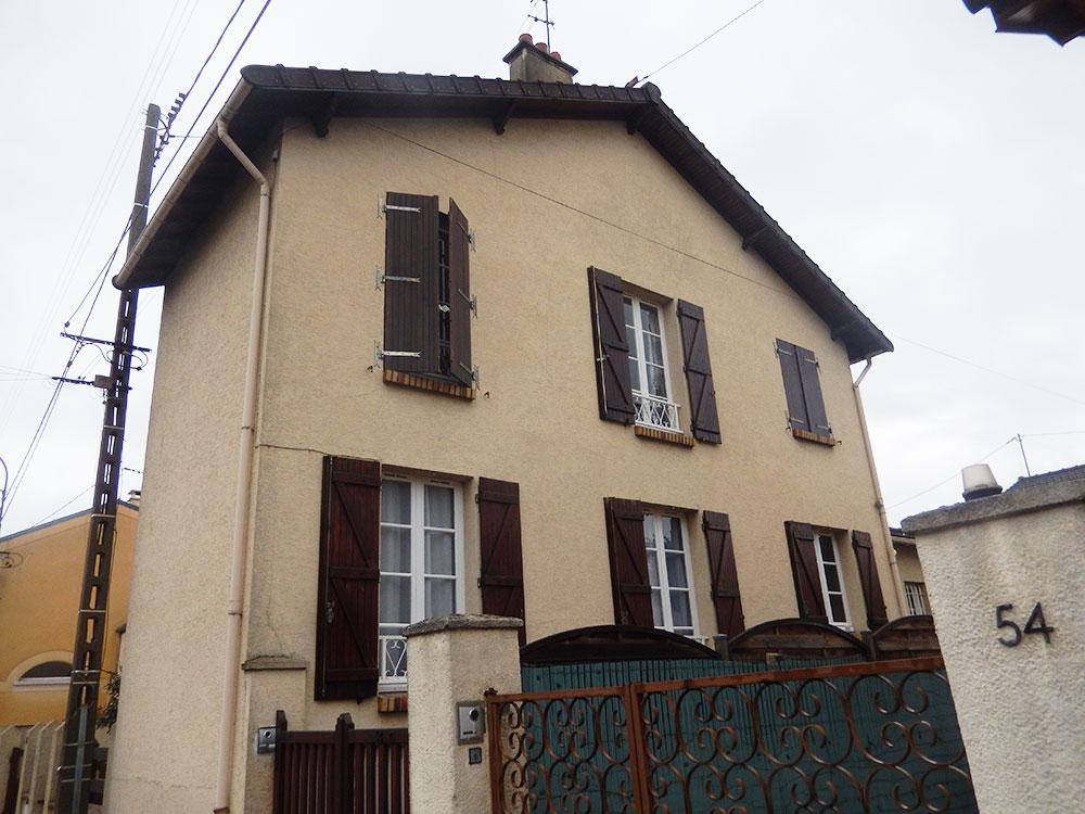 Rénovation des façades d'une maison traditionnelle 2 pans à La Varenne-Saint-Hilaire avant
