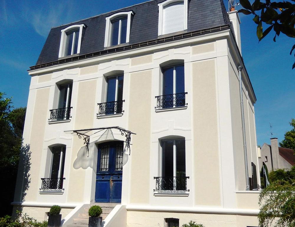 Rénovation des façades d'un hôtel particulier à la Mansart 1890 face au Bois de Vincennes après